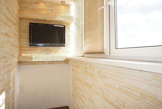Теплое остекление балкона, отделка с утеплением
