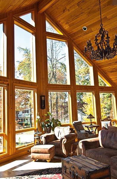 Какими должны быть окна для деревянного дома